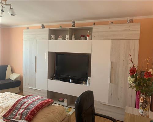 Apartament 2 camere decomandat zona Soarelui