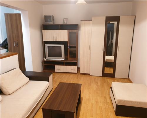 Apartament spatios in zona Dambovita