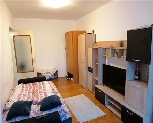 Apartament 2 camere DECOMANDAT in zona Sagului