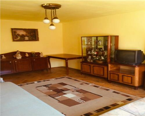 Apartament cu 2 camere in zona Aradului decomandat negociabil