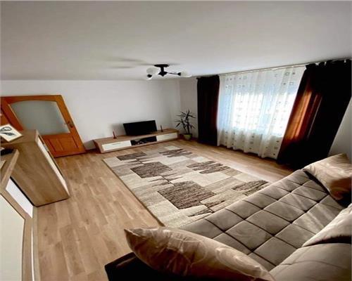 Apartament 2 camere la casa zona Lipovei