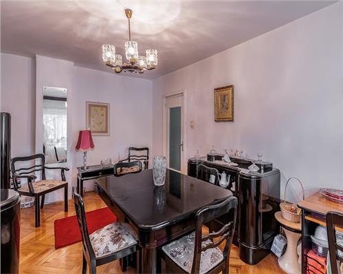 Apartament de lux cu 4 camere la parter in zona Aradului