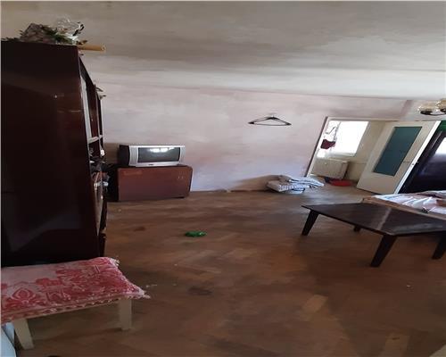 Apartament 2 camere, semidecomandat, zona Dacia