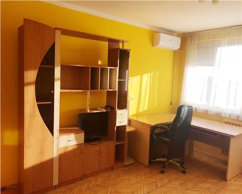 Apartament cu 2 camere decomandat langa Punctele Cardinale