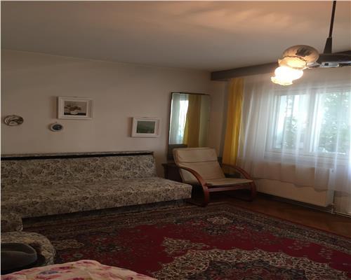 Apartament deosebit cu 3 camere, decomandat in Calea Aradului