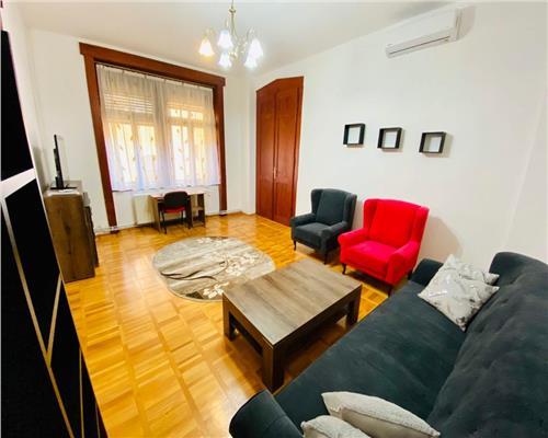 Apartament spatios cu 3 camere in inima orasului ULTRACENTRAL