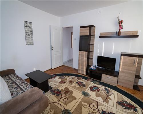 Apartament 3 camere, zona Sagului