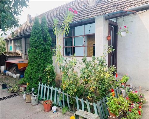 Casa cu 3 camere + teren in zona Lipovei