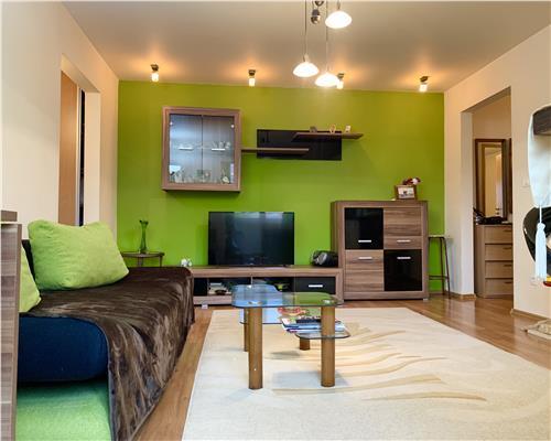 Apartament cu 3 camere la etaj intermediar, Calea Sagului