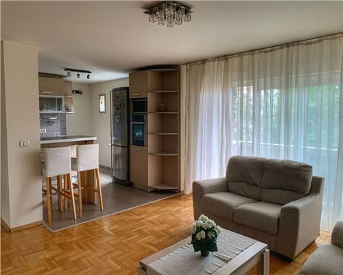 Apartament spatios, 3 camere, Girocului