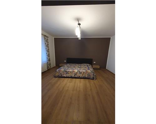 Apartament cu 3 camere la casa - zona Mehala