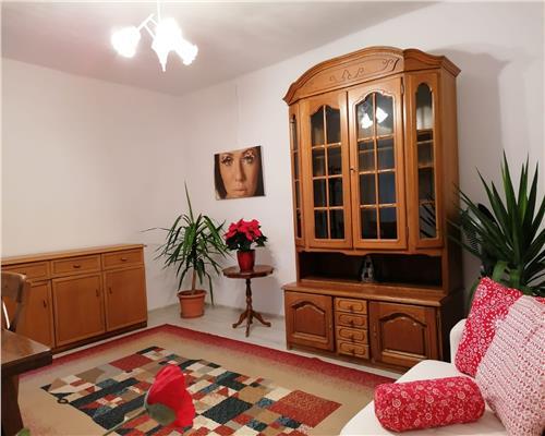 Apartament la casa cu 2 camere si centrala proprie in zona Badea Cartan