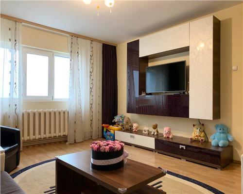 Apartament decomandat, cu 3 camere langa Shopping City