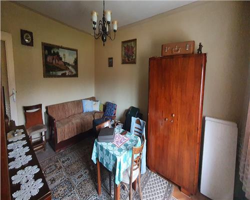 Apartament cu 2 camere - DECOMANDAT
