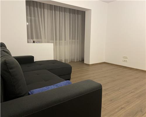 Apartament cu 3 camere decomandat, zona Simion Barnutiu