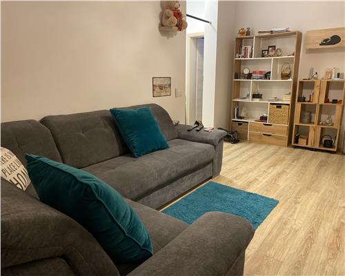 Apartament deosebit cu 3 camere si curte proprie, Dumbravita