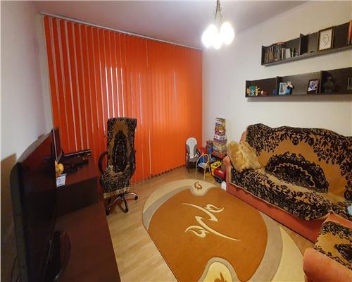 Apartament cu 3 camere - zona Steaua