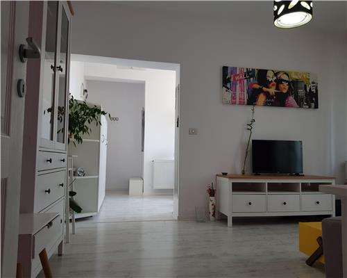 Apartament deosebit 4 camere, modern, mobilat si utilat, zona Modern
