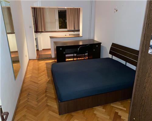 Închiriez apartament spațios, complet mobilat, zona Complexul Studențesc