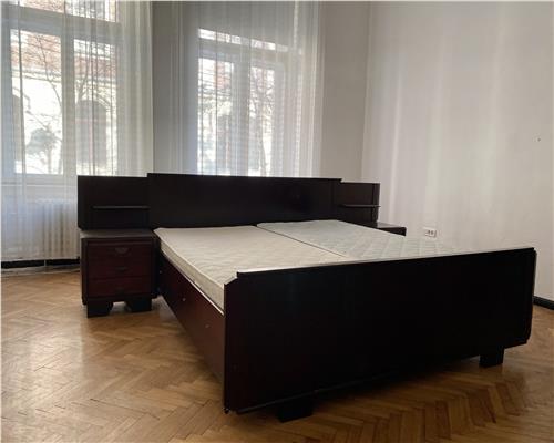 Apartament cu 4 camere in cladire istorica zona Centrala, P-ta Maria
