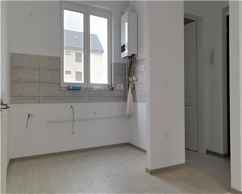 Apartament 3 camere+Terasa cu mini-curte, Dumbravita