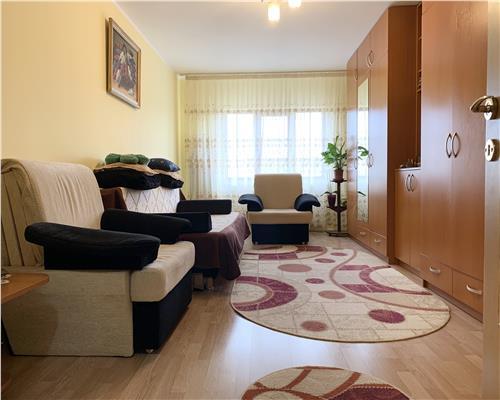 Apartament cu o camera, centrala proprie, la etaj intermediar, Steaua