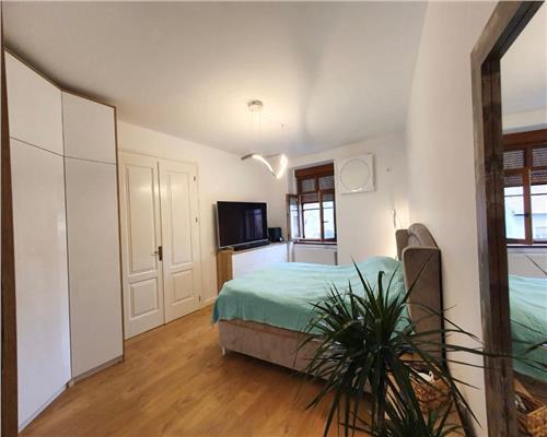 Apartament cu 3 camere in zona Iosefin.
