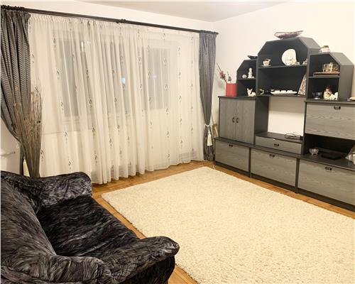 Apartament cu 3 camere și centrală in calea Buziașului.