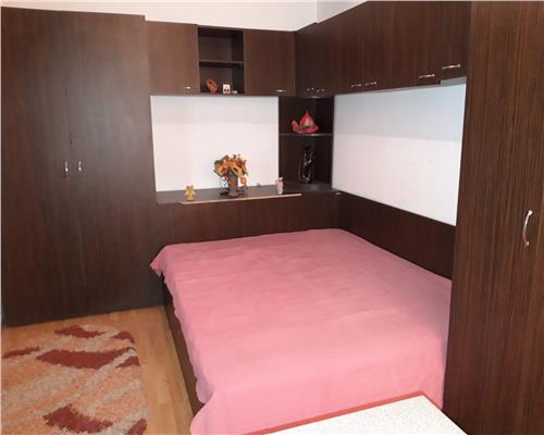 Apartament cu 2 camere, la etajul intai, Girocului