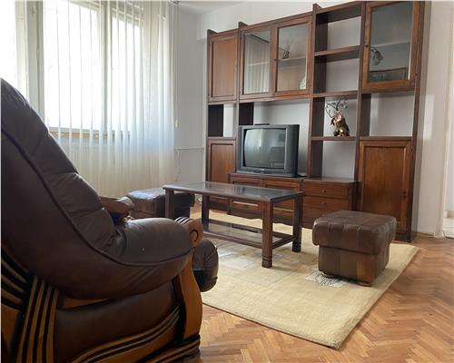 Apartament spatios cu 3 camere Ultracentral