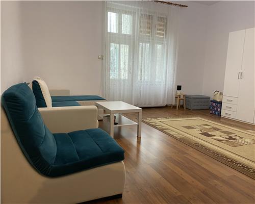Apartament cu 3 camere in zona P-ta Maria