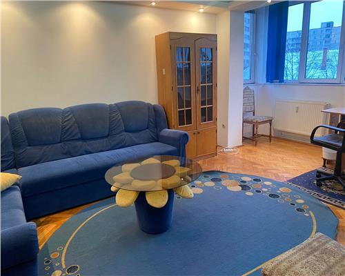 Apartament cu 3 camere in zona Medicinei