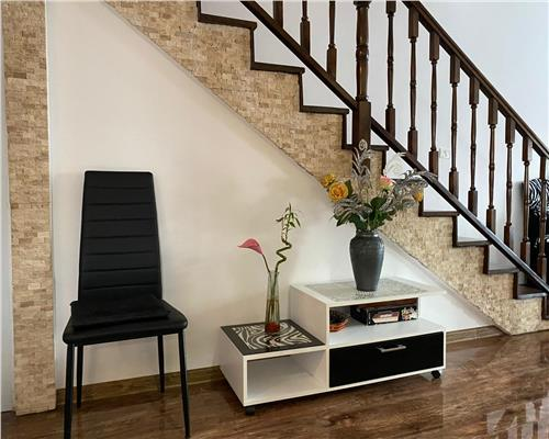 Jumatate de duplex, frumos si foarte spatios, 5 camere, mobilat si utilat, Giroc