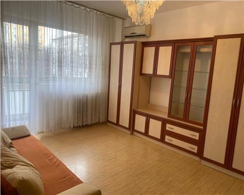 Apartament cu 3 camere in zona Circumvalatiunii