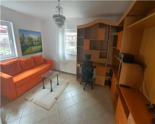 Apartament 2 camere la casa, doua nivele, scara interioara, terasa, centrala proprie