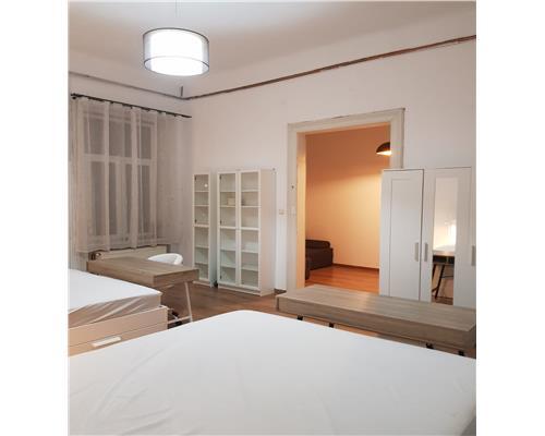 Apartament deosebit, renovat, 3 camere, cladire istorica, Ultracentral