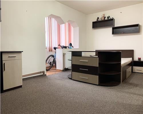 Apartament cu 2 camere, decomandat, 55 mp utili, in apropiere de Shopping City