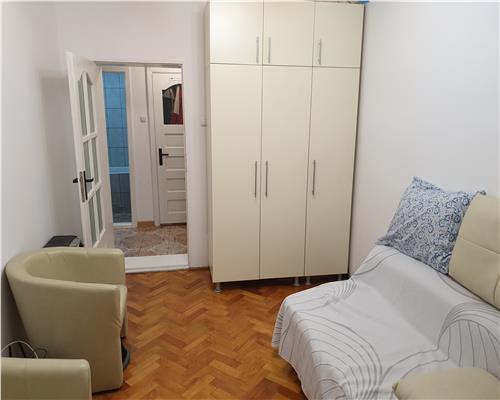 Apartament cu 2 camere in zona Ronat, centrala proprie, etaj intermediar