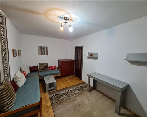 Apartament 3 camere, Lipovei, centrala proprie