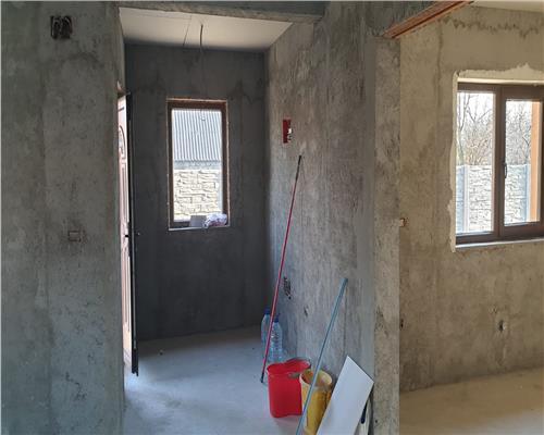 Casa individuala in Utvin cu 3 camere la cheie, toate utilitatile, la asfalt