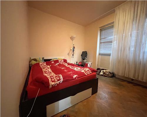 Apartament cu 4 camere in zona Sagului