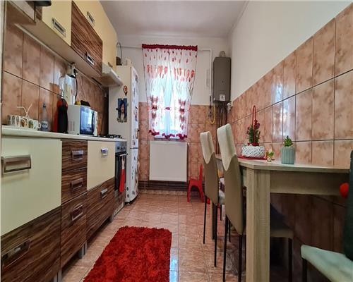 Apartament cu 2 camere, zona Dambovita