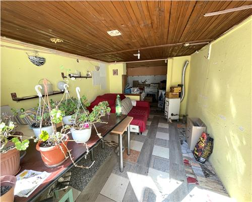 Casa de vanzare in zona Sagului. Pretabil si pentru spatiu comercial