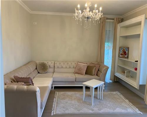 Apartament 2 camere, Curte 60 mp , La intrare in Dumbravita
