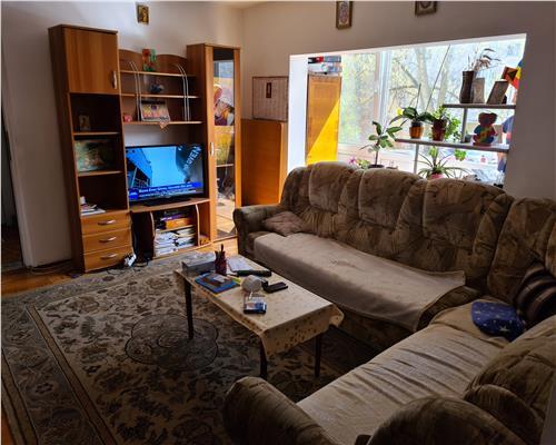 Apartament cu 3 camere, In zona Soarelui