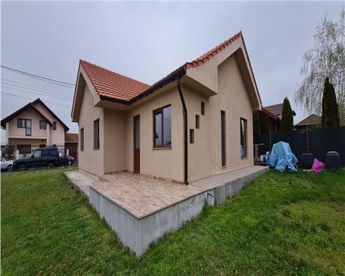 Casa spatioasa cu 3 camere si teren de 300 mp, Dumbravita