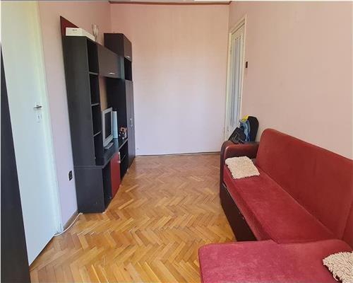Apartament cu 2 camere, etaj intermediar, Sagului