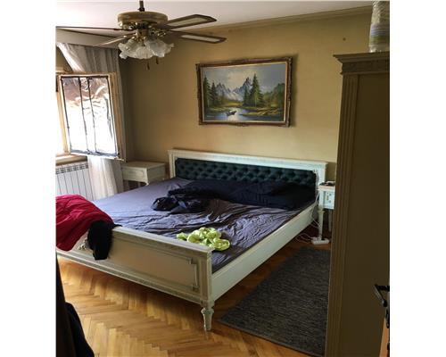 Apartament cu 3 camere, Zona Odobescu