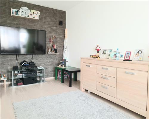 Apartament cu 3 camere, decomandat, in zona Sagului, frumos amenajat, panorama superba