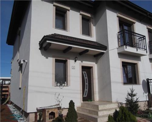 Jumatate de duplex cu 5 camere in Dumbravita, amenajat complet, strada asfaltata.